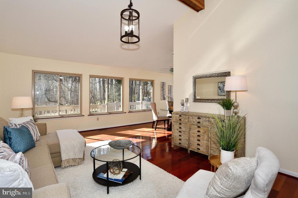 Sun-lit living room - 14908 TALKING ROCK CT, NORTH POTOMAC
