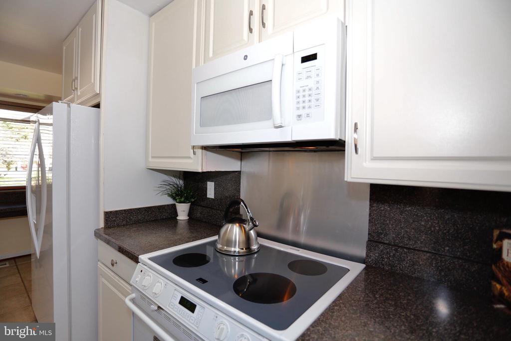 Kitchen - 14908 TALKING ROCK CT, NORTH POTOMAC