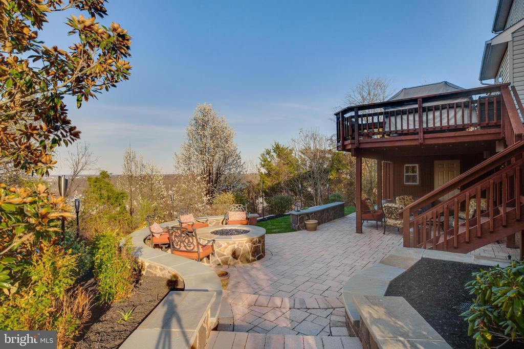 Stunning scenic views from backyard - 620 SE CURTIN PL SE, LEESBURG