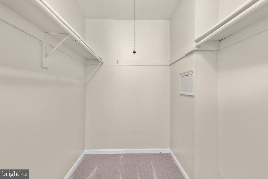 Primary walk-in closet - 6350 FENESTRA CT #129A, BURKE