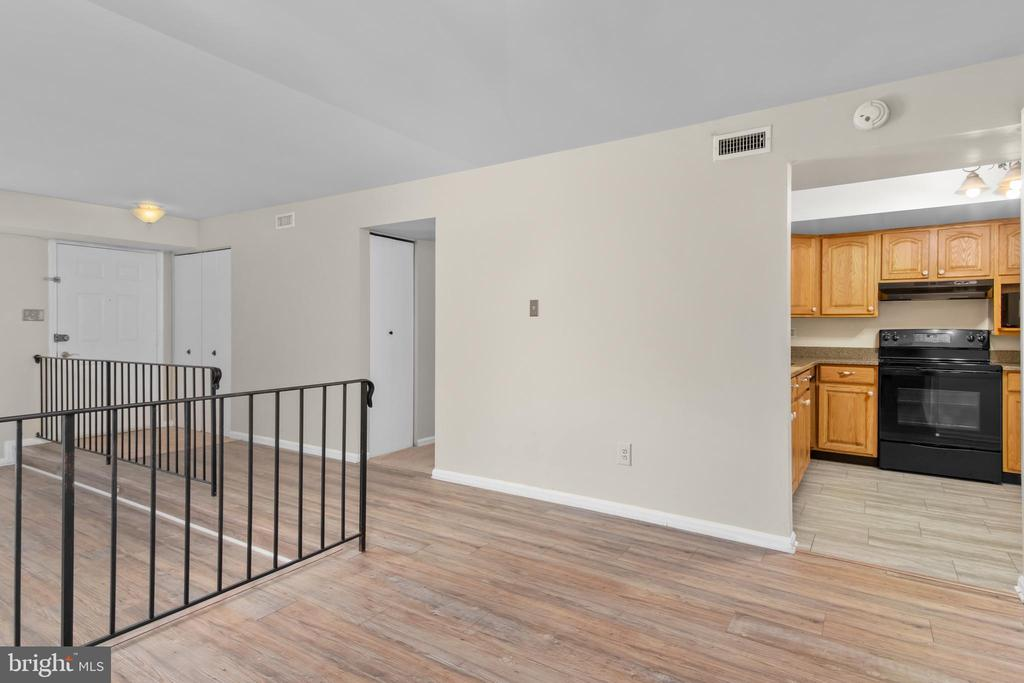 Dining area to kitchen - 6350 FENESTRA CT #129A, BURKE