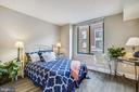 BR #2 with beautiful  new wood floors - 1205 N GARFIELD ST #905, ARLINGTON
