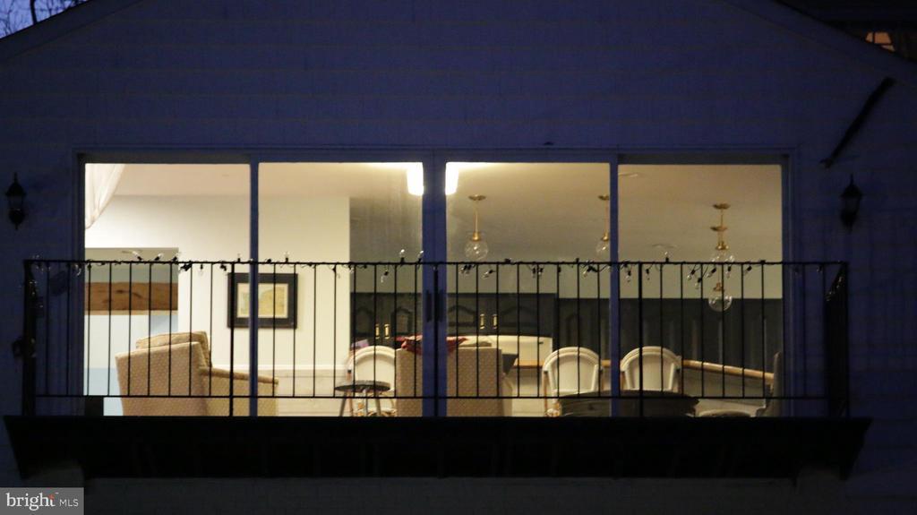 Balcony off family room - 8703 SUDBURY PL, ALEXANDRIA