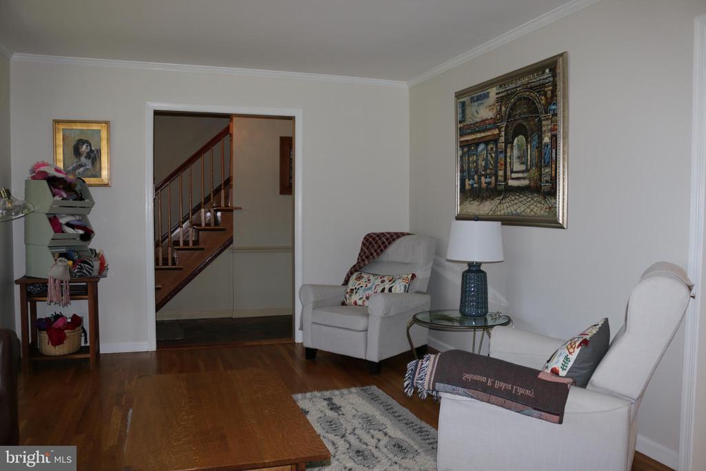 Livingroom - 8703 SUDBURY PL, ALEXANDRIA
