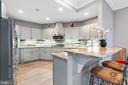 Apartment full kitchen - 658 LIVE OAK DR, MCLEAN