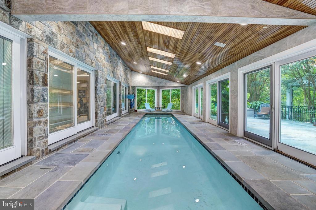 Indoor lap pool - 658 LIVE OAK DR, MCLEAN