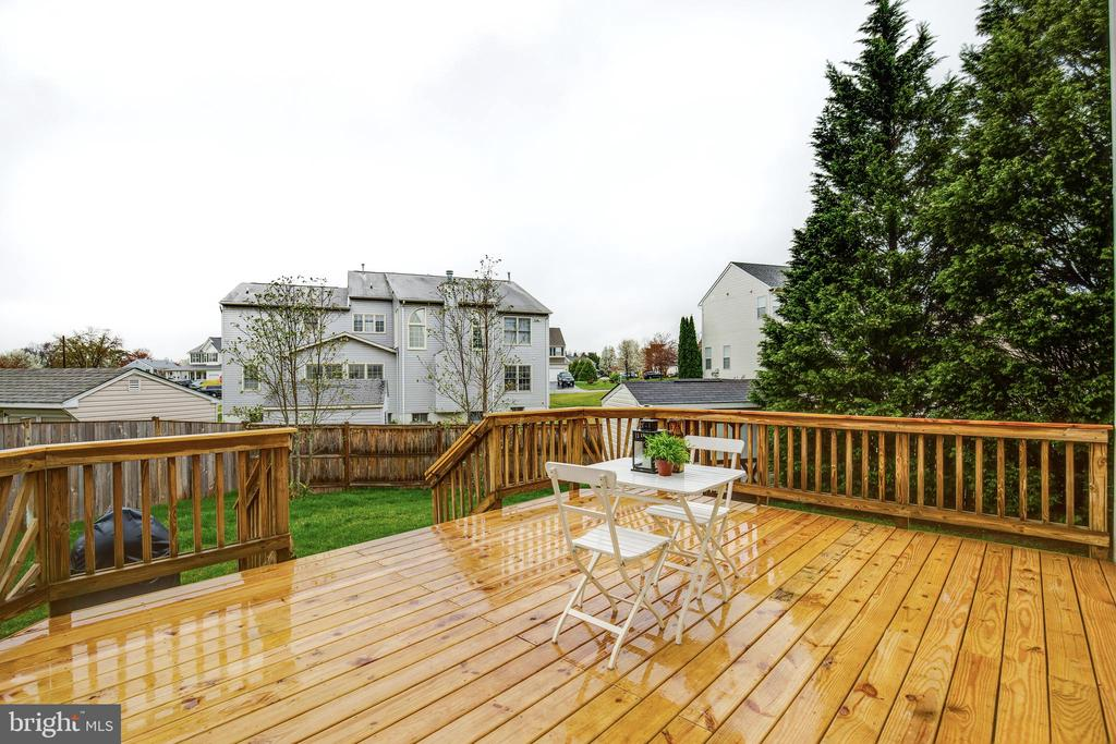 Rear Deck - 9696 ANJOU CT, MANASSAS