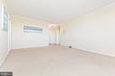 Living area - 1805 CRYSTAL DR #810S, ARLINGTON