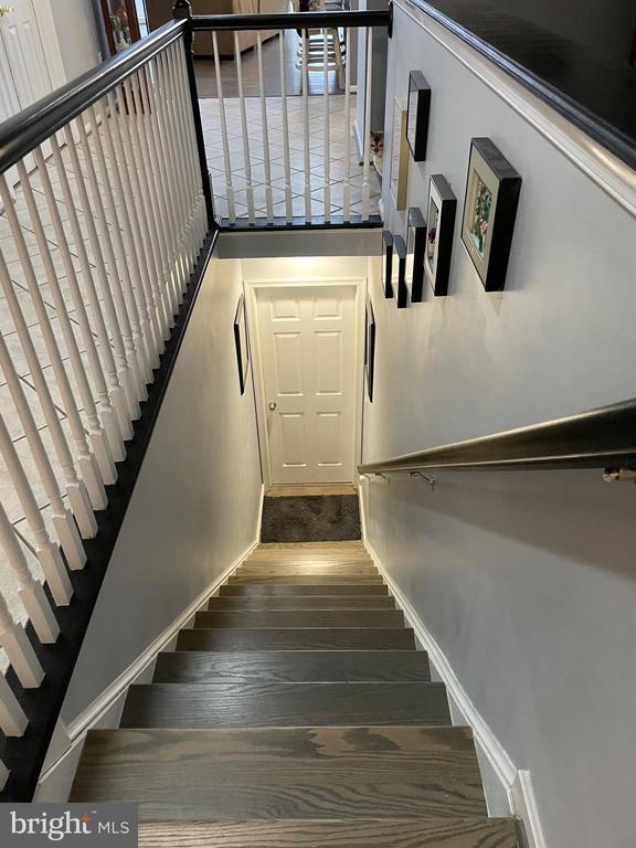 Stairs to basement - 105 JEFFERSON AVE, LOCUST GROVE