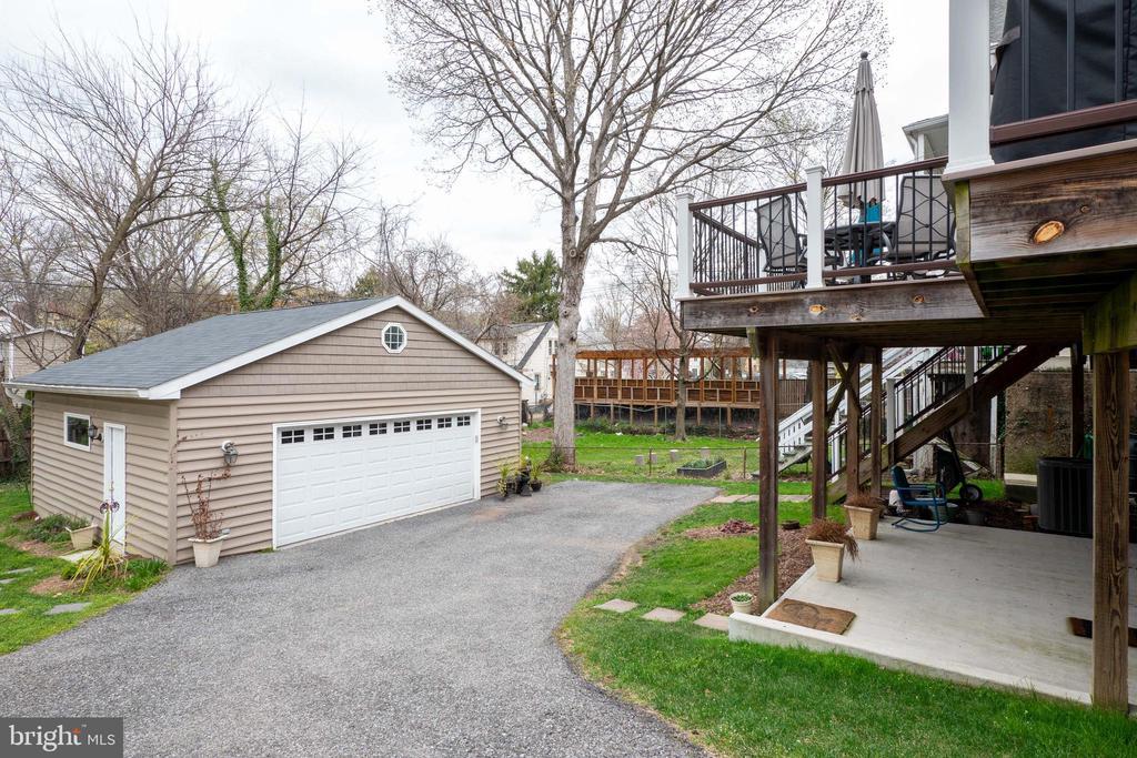 Oversized two car garage - 1244 MONROE ST NE, WASHINGTON