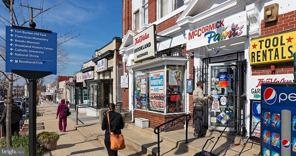 Lots of small business owners in Brookland - 1244 MONROE ST NE, WASHINGTON