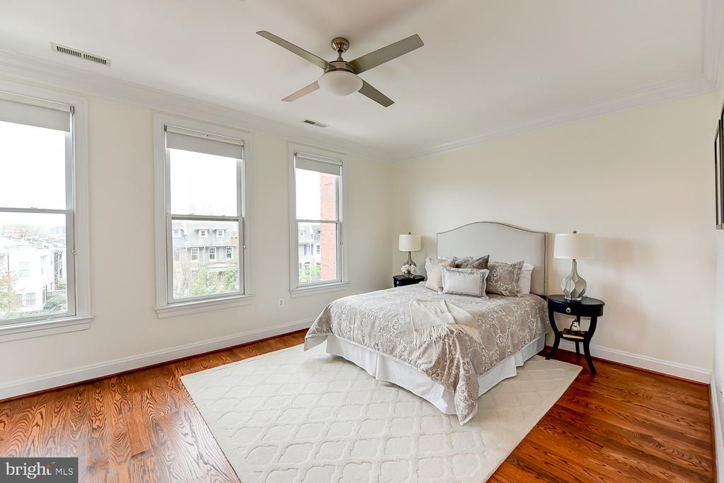 Bedroom 2 - 610 MARYLAND AVE NE, WASHINGTON