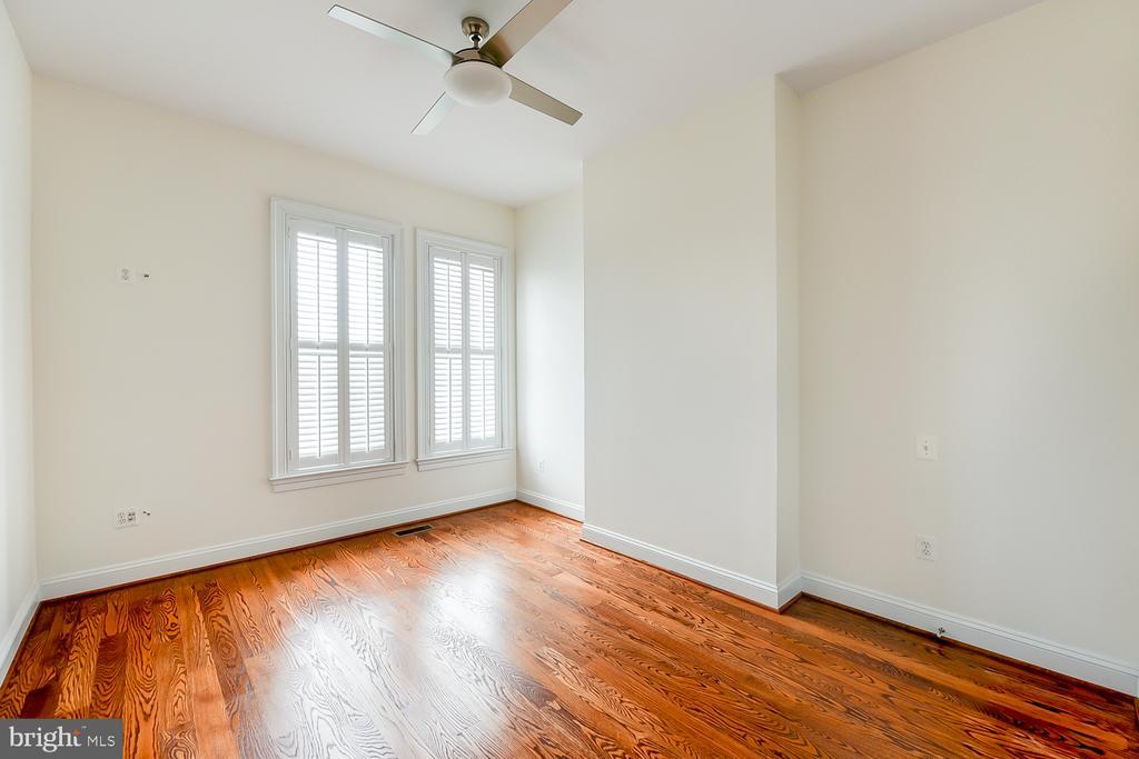 Bedroom 3 - 610 MARYLAND AVE NE, WASHINGTON