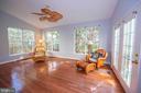 Airy sunny room  for yoga - 11413 RAMSBURG CT, NORTH POTOMAC