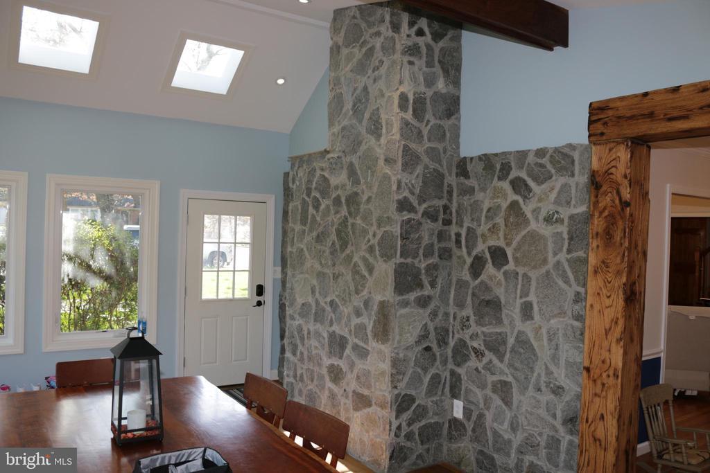 Sunroom stone chimney back - 8703 SUDBURY PL, ALEXANDRIA