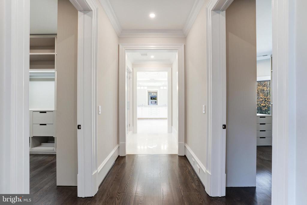Owner's Suite - Dual Walk-in Closets - 1332 MCCAY LN, MCLEAN