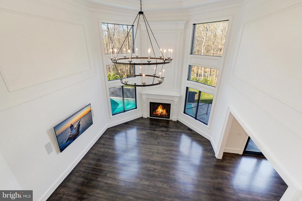 Overlook to Great Room / Family Room - 1332 MCCAY LN, MCLEAN