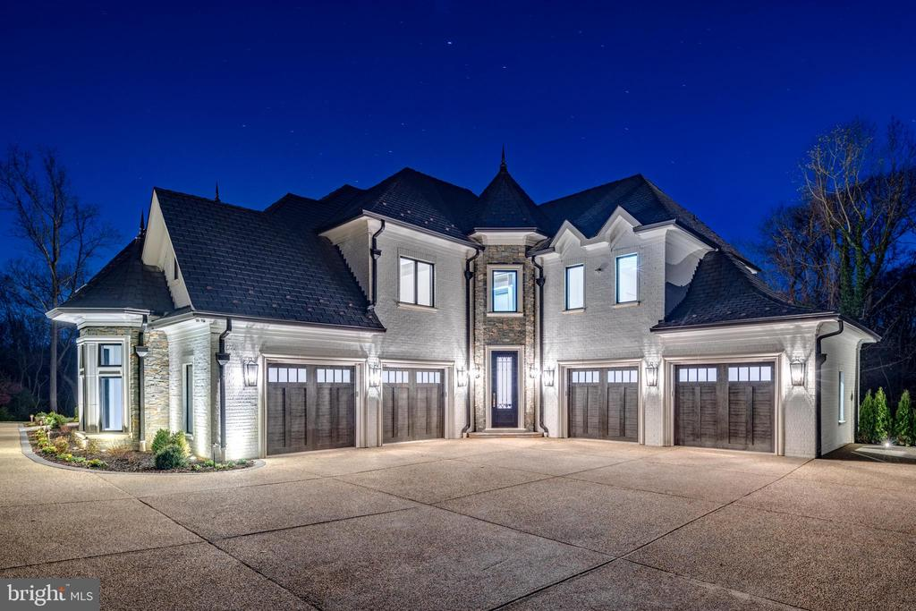 Garages and Service Entry - 1332 MCCAY LN, MCLEAN