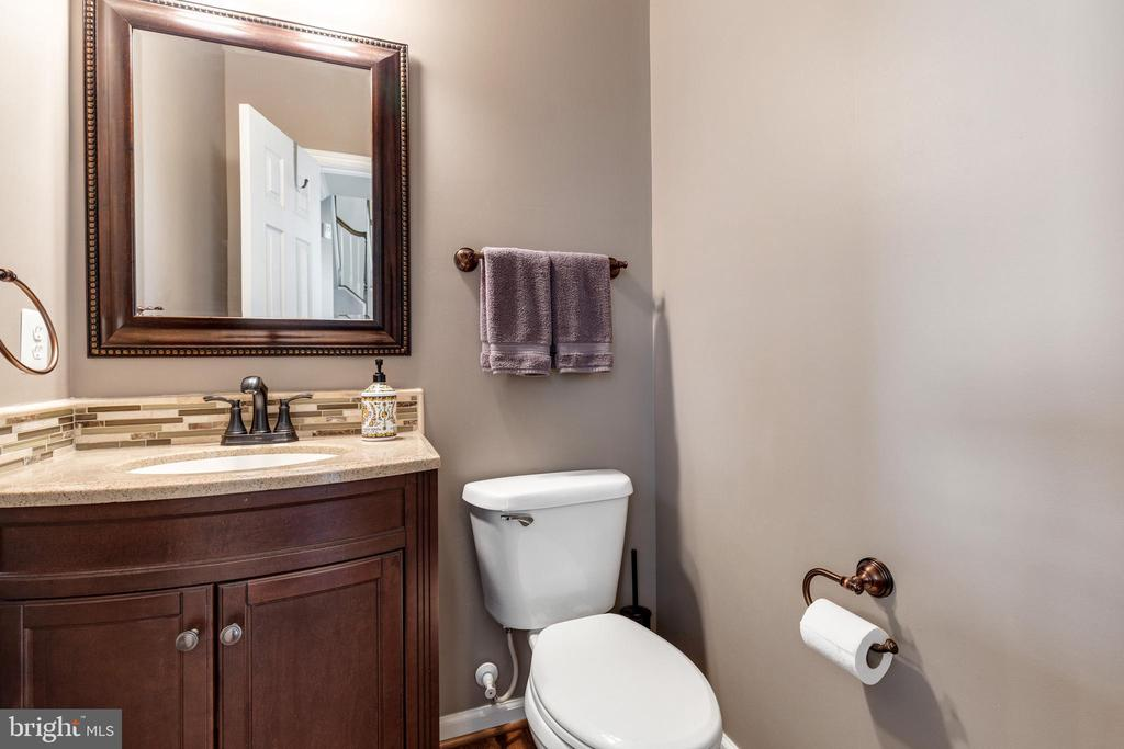1/2 Bath on Main Level - 15659 ALTOMARE TRACE WAY, WOODBRIDGE