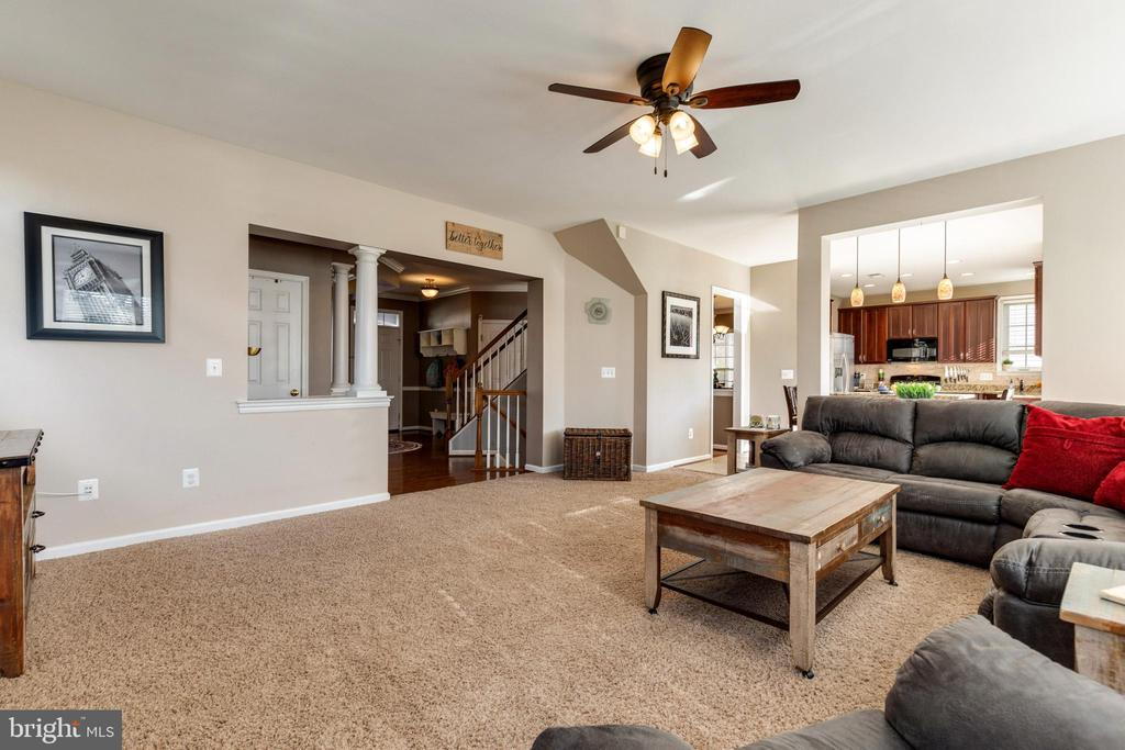 Family Room Open to Kitchen - 15659 ALTOMARE TRACE WAY, WOODBRIDGE