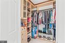 ...custom-designed walk-in closet! - 43191 BURSTALL CT, LEESBURG
