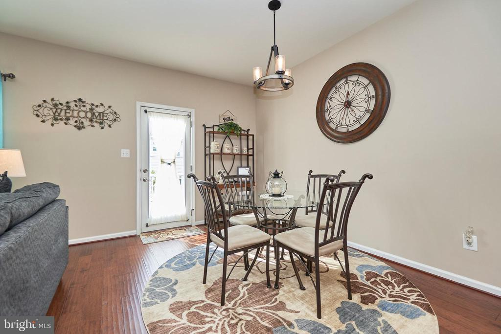 Adjoining Breakfast Area - 7006 DARBEY KNOLL DR, GAINESVILLE