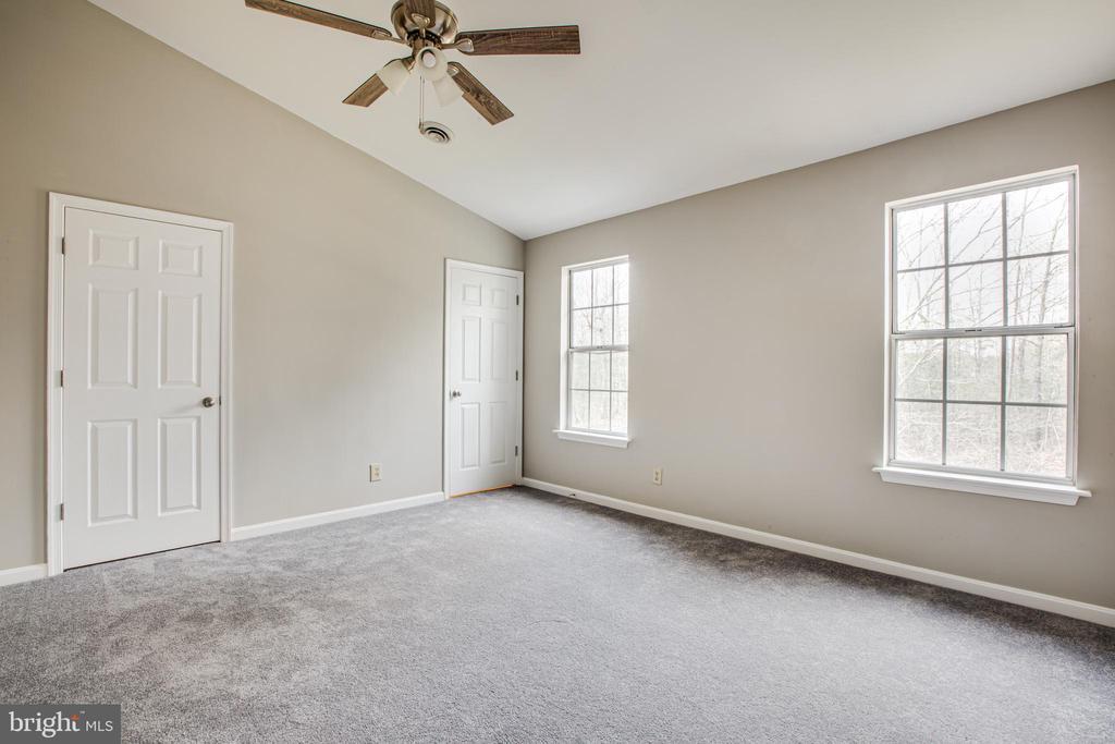 large Second master bedroom NEW carpet - 206 CROSSING RD, FREDERICKSBURG