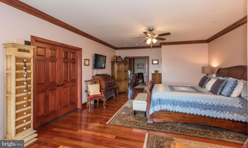 Master Bedroom - 7235 WOODVILLE RD, MOUNT AIRY