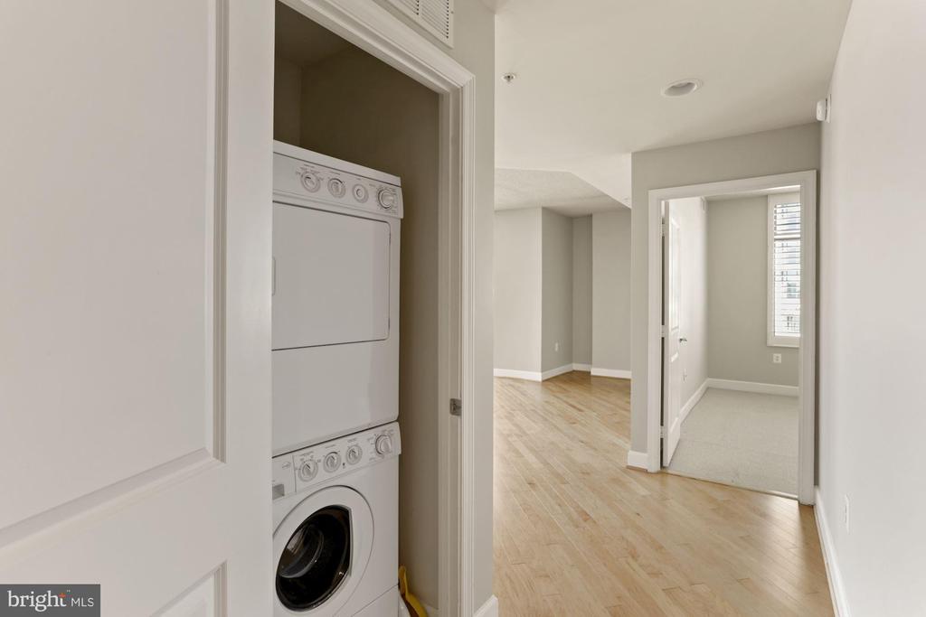 Laundry in the home! - 3600 S GLEBE RD #310W, ARLINGTON