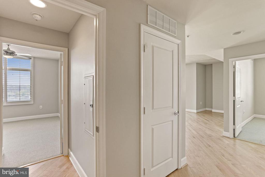View from hallway - 3600 S GLEBE RD #310W, ARLINGTON