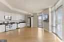 Large combined kitchen/living - 3600 S GLEBE RD #310W, ARLINGTON