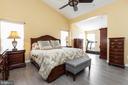 Dreamy master suite with sitting room - 20261 MACGLASHAN TER, ASHBURN