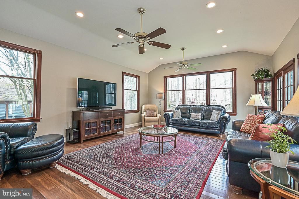 Amazing Great Room addition! - 9326 MAINSAIL DR, BURKE