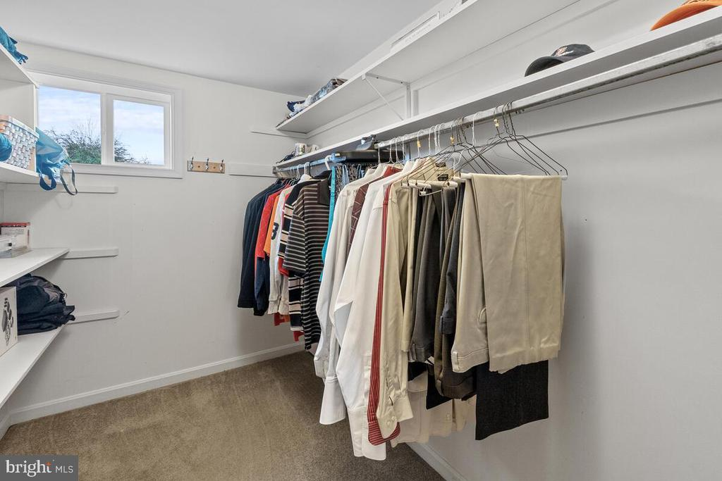Walk-In Closet - 7504 PICNIC WOODS RD, MIDDLETOWN