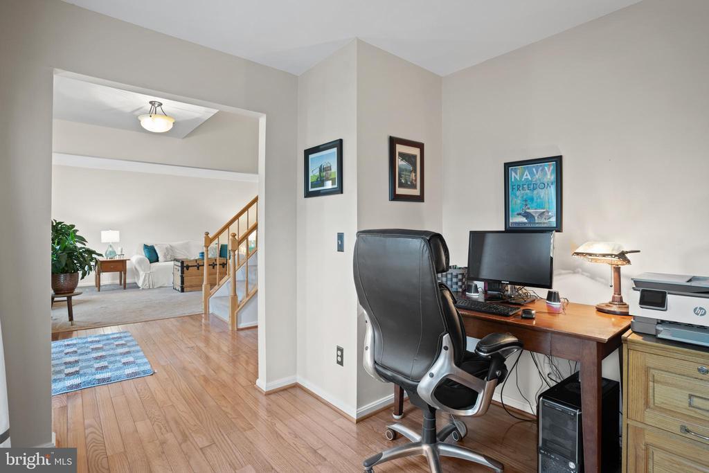 Office on Main Level - 311 ASHTON DR SW, LEESBURG