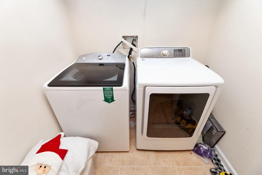 Note: washer and dryer not included - 702 WAVELAND AVE, CAPITOL HEIGHTS