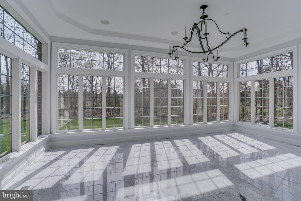Beautiful Morning Room with Marble Floor - 22441 BEAVERDAM DR, ASHBURN