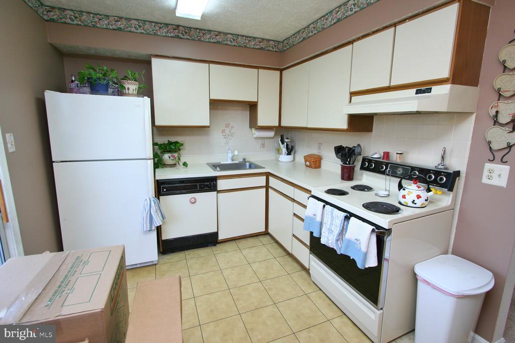 Kitchen - 13970 BIG YANKEE LN, CENTREVILLE