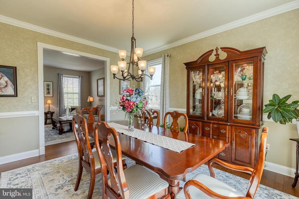 With detailed Crown Molding - 3 LEGAL CT, STAFFORD