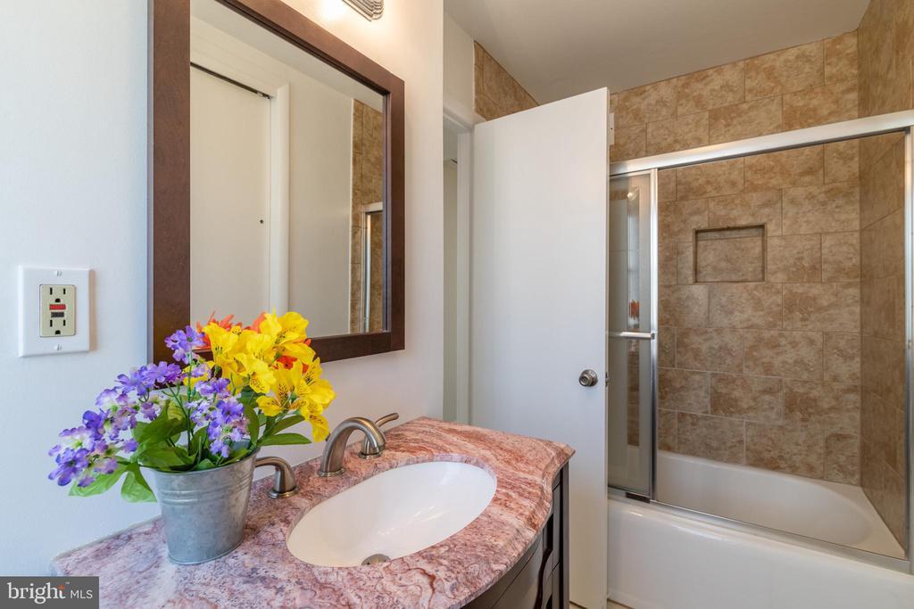 Bathroom - 8522 CYRUS PL, ALEXANDRIA