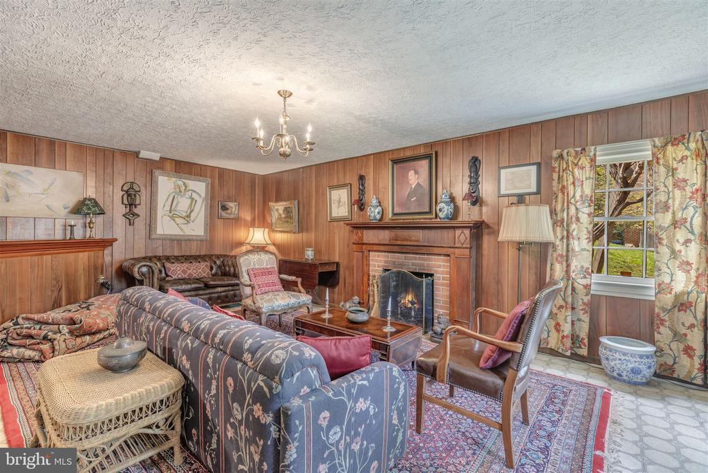 Family Room - 3835 MACOMB ST NW, WASHINGTON
