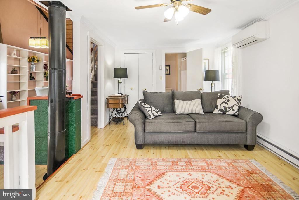 Living room - 15 SUNNY WAY, THURMONT