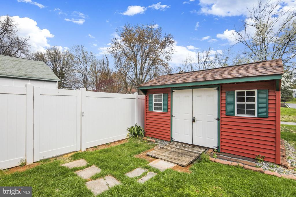 Large shed - 15 SUNNY WAY, THURMONT