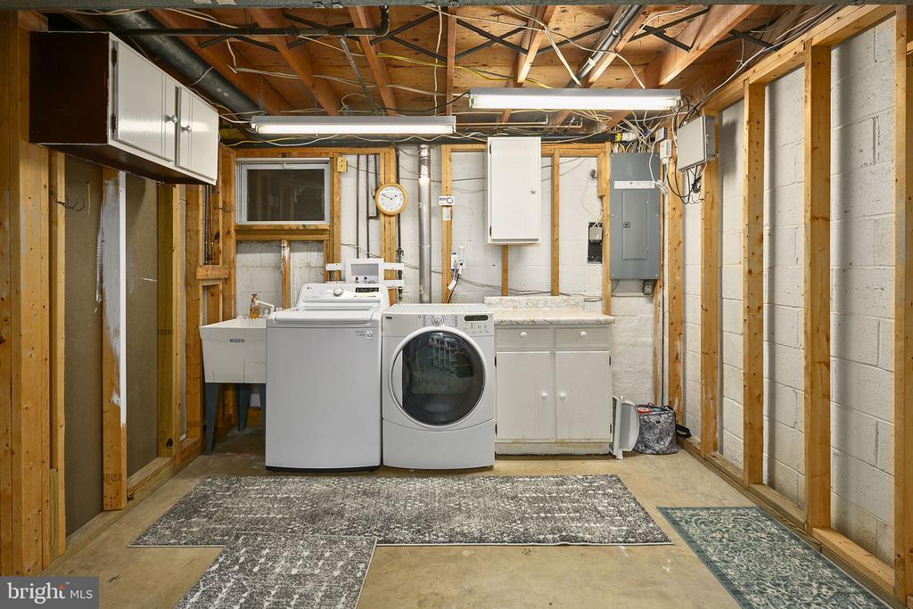 Laundry room - 9611 GLENARM CT, BURKE
