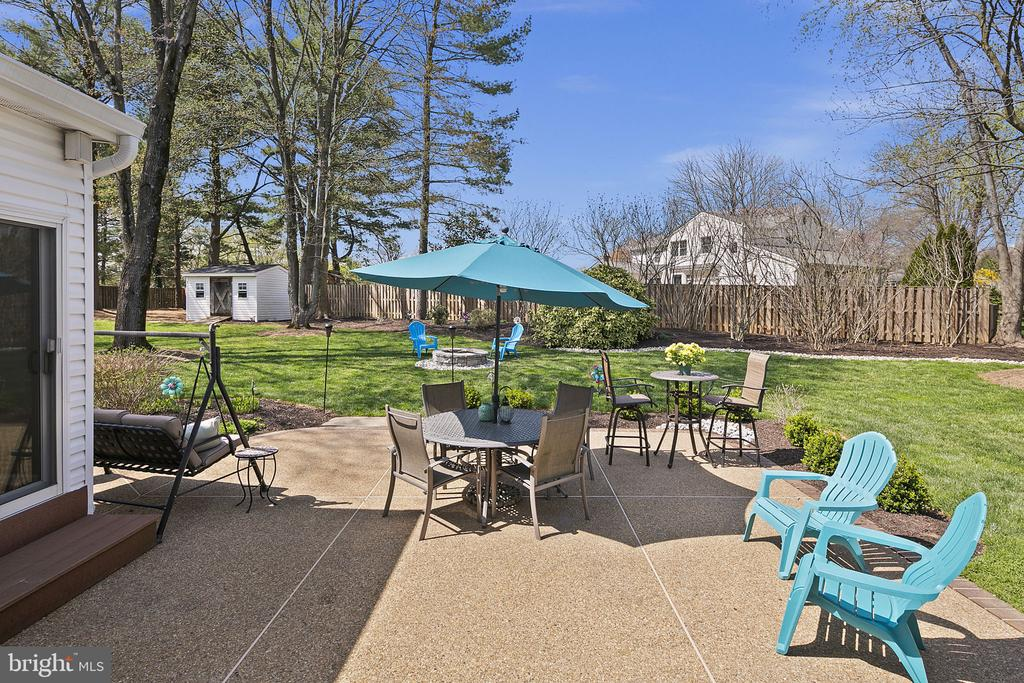 Patio for grilling out - 9611 GLENARM CT, BURKE