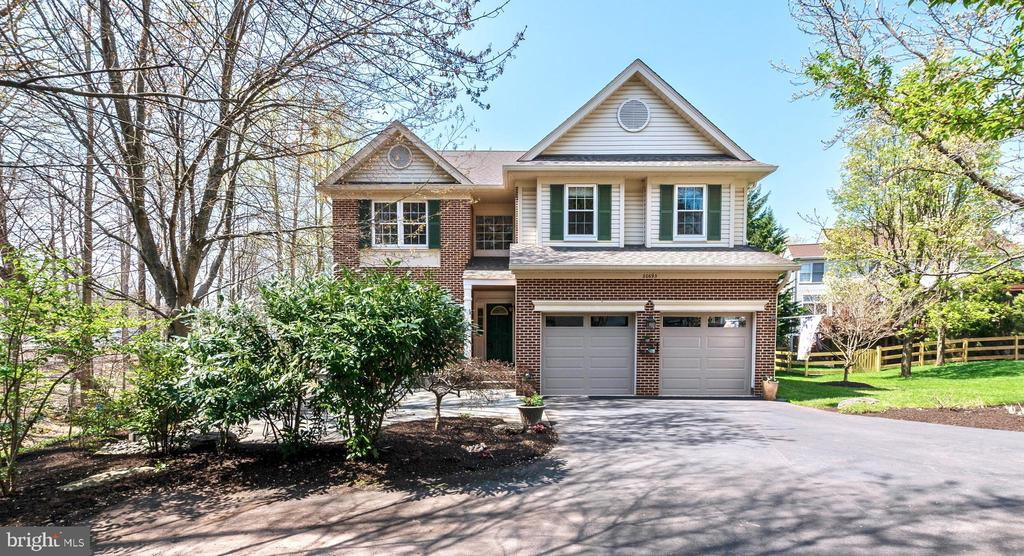 WELCOME HOME - 20693 LONGBANK CT, STERLING