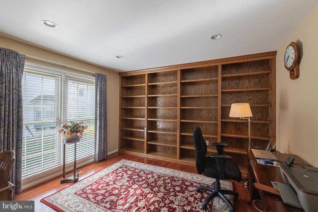 French doors lead to office - 5207 BRAYWOOD DR, CENTREVILLE