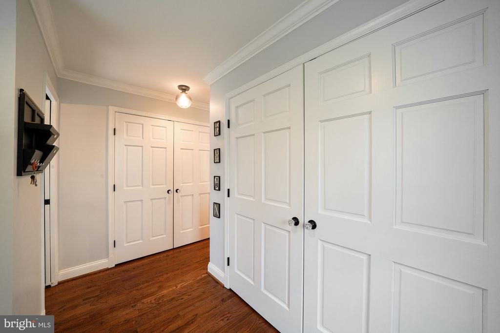 Closets galore! - 1500 N KENILWORTH ST, ARLINGTON