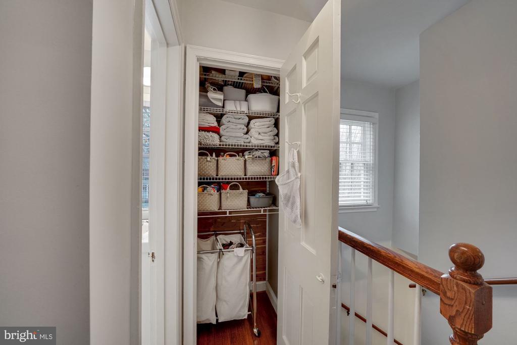 Hall Linen Closet - 1500 N KENILWORTH ST, ARLINGTON