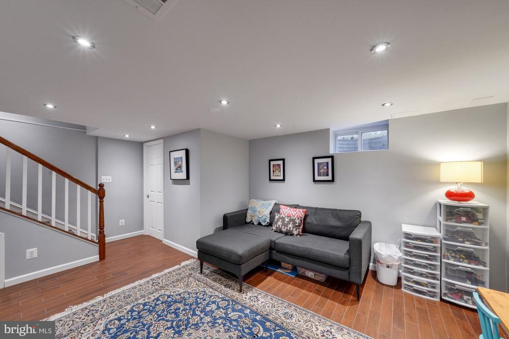 Spacious Rec Room - 1500 N KENILWORTH ST, ARLINGTON